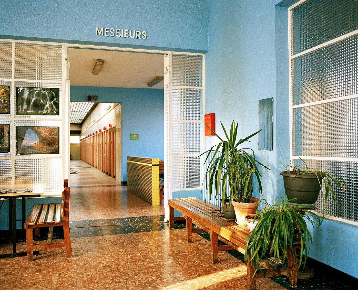 Hall d'accueil des bains-douches municipaux Fives de Lille.