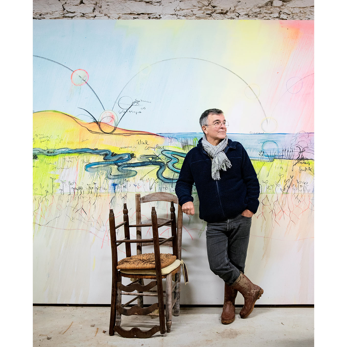 Fabrice Hyber, artiste plasticien de l'Académie des beaux-arts, dans l'un de ses ateliers en Vendée.