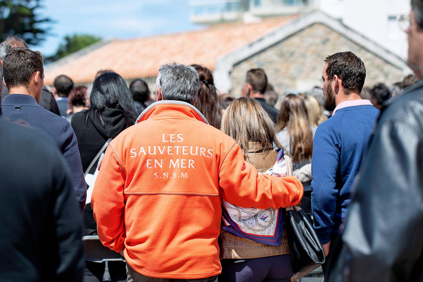 2019, juin, Les Sables d'Olonne. Hommage national aux sauveteurs du canot Jack Morisseau qui a fait naufrage à proximité immédiate de la plage de Tanchet lors de la tempête Miguel du 7 juin 2019. Cérémonie présidée par Emmanuel Macron.